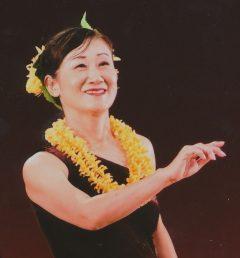 糸井 ゆみこ(ハレ ク レア フラ スタジオ 徳島 主宰)