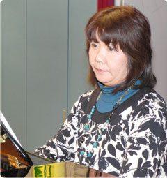 助手:下竹とも子 (ピアノ演奏)